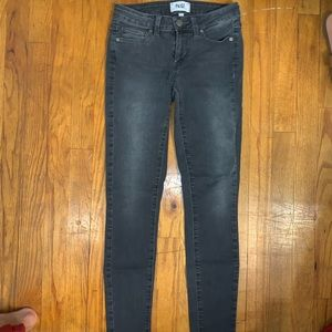 Size 25 gray wash Paige skinny jeans!!